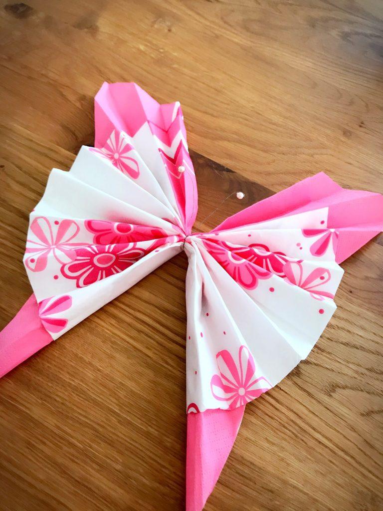 DIY bricolage pliage serviettes en papier papillons facile anniversaire mariage pas chère décoration